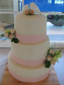 Flower accents for wedding cakes